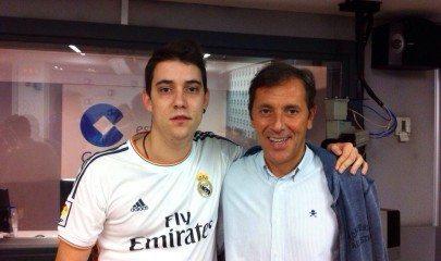 Paco González con uno de los alumnos