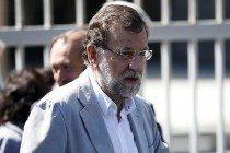 Rajoy tras depositar su voto. Reuters.