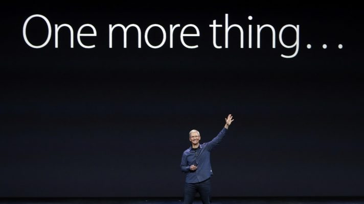 "Tim Cook haciendo referencia al ""One More Thing..."" Foto: Apple Inc."