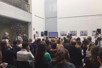 Fotografía de la conferencia de inauguración del hospital simulado.
