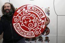 Mikel Urmeneta, exdirector artístico de la empresa Kukuxumusu. JESÚS DIGES / EFE.