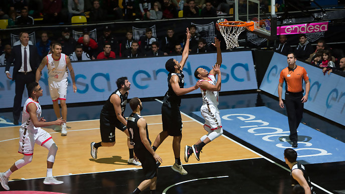 Corey Fisher, líder burgalés, con 24 puntos (ACB Photo/Arrizabalaga)