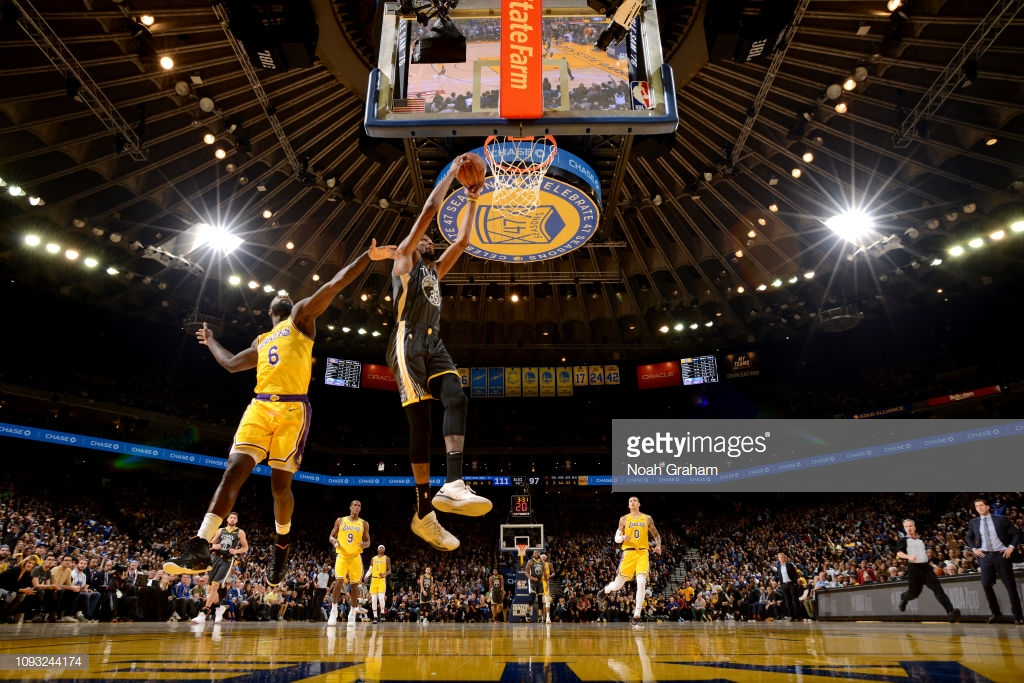 OAKLAND, CA - FEBRUARY 2: Kevin Durant #35 of the Golden State Warriors dunks the ball against the Los Angeles Lakers on February 2, 2019 at ORACLE Arena in Oakland, California. NOTE TO USER: User expressly acknowledges and agrees that, by downloading and or using this photograph, User is consenting to the terms and conditions of the Getty Images License Agreement. Mandatory Copyright Notice: Copyright 2019 NBAE (Photo by Noah Graham/NBAE via Getty Images)