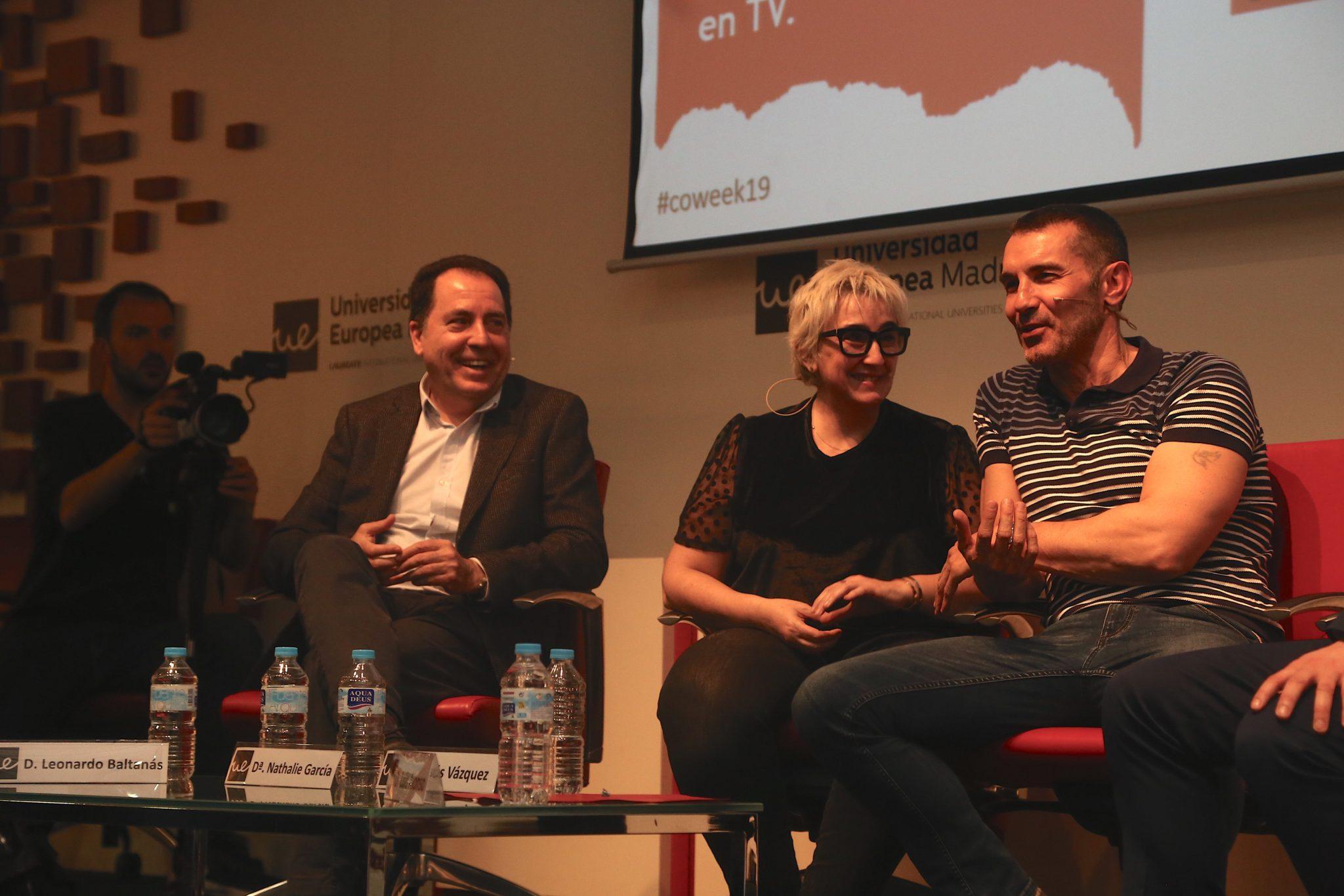 """Leonardo Baltanás, Nathalie García y Jesús Vázquez en la conferencia sobre casos de éxito de un """"talent"""" en TV."""
