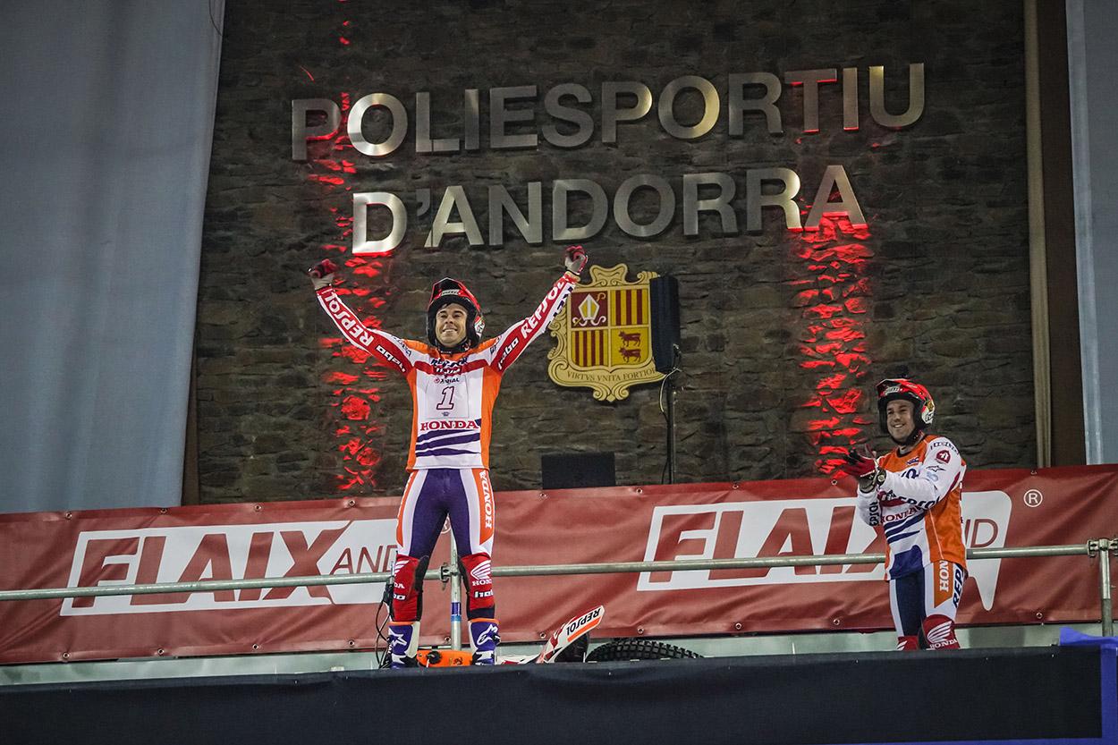 Toni Bou celebra el último título mundial conseguido este fin de semana en Andorra /Moto1pro.com