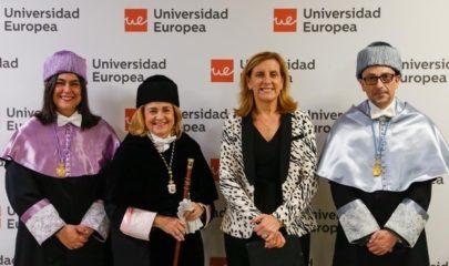 Marta Martínez y Elena Gazapo en el centro