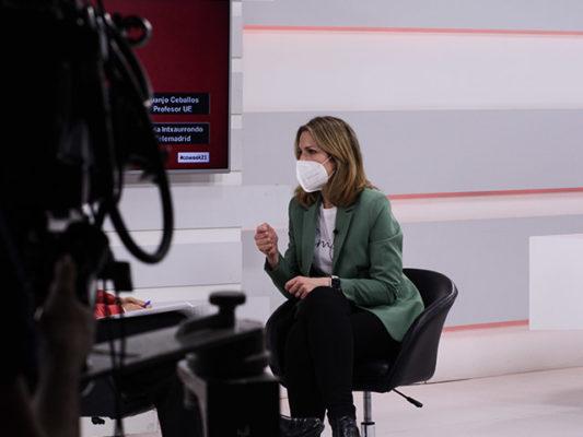 Silvia Intxaurrondo en el plató de la Universidad Europea.
