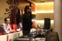 El DJ Cristian Varela impartiendo su masterclass